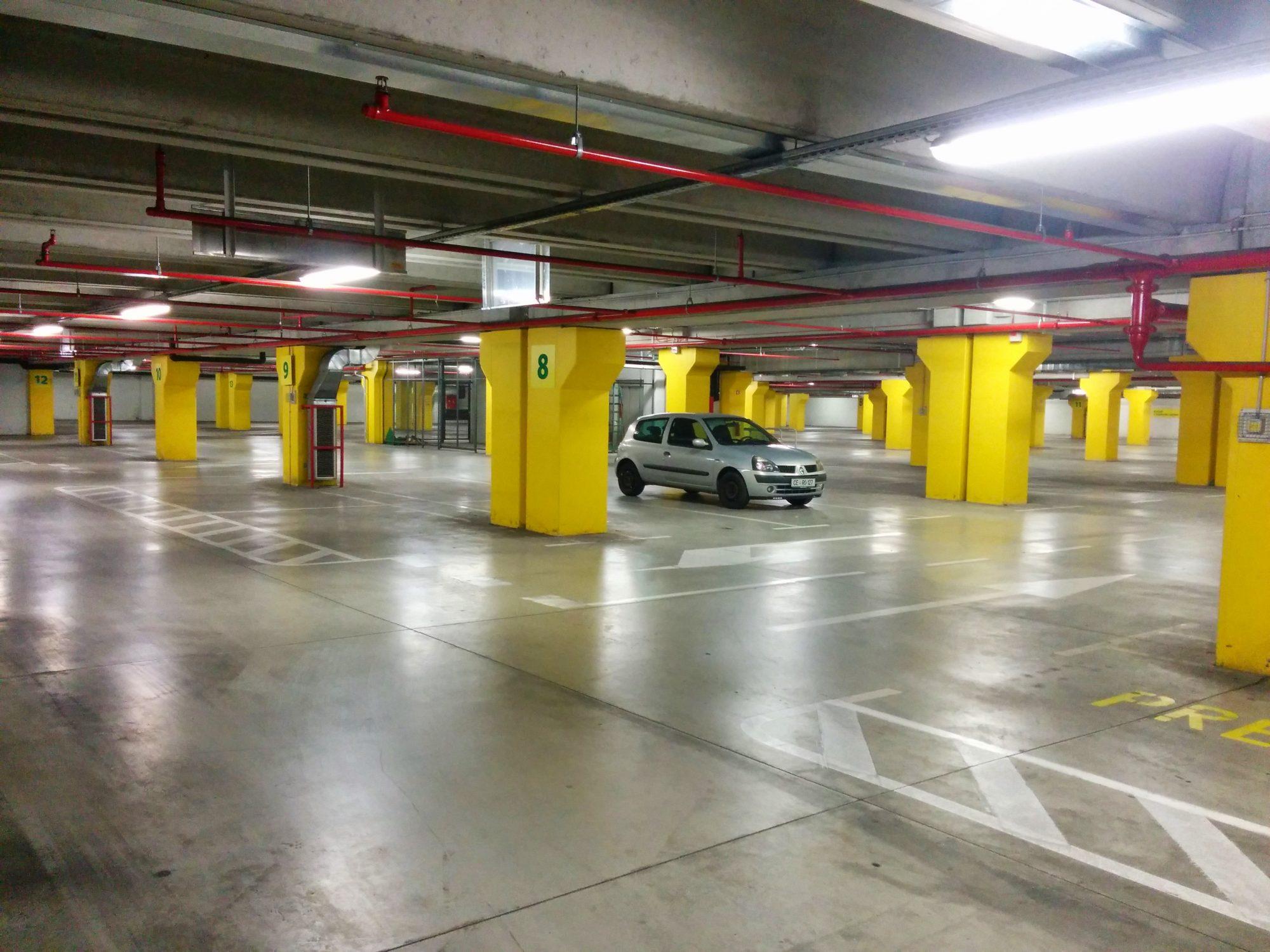 Zbori za prostor: Kaj je javni interes pri parkirni politiki?