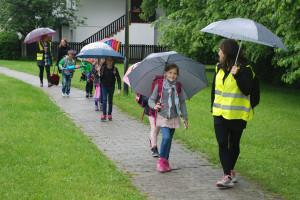 rezerva Pešbus-OŠ-Koseze,-deževen-dan