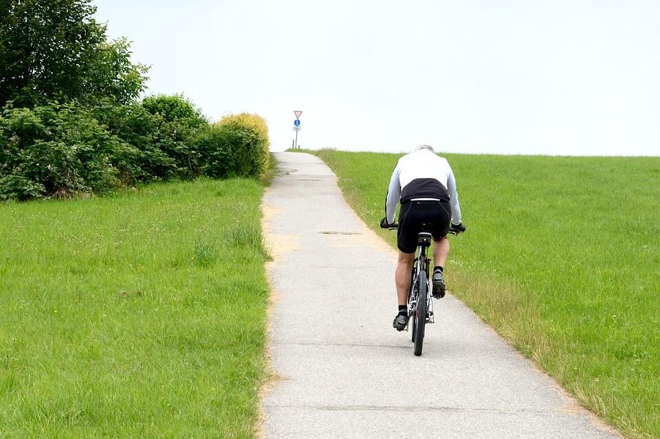 Izdelava modela povezanosti celotne Slovenije s kolesarskimi potmi