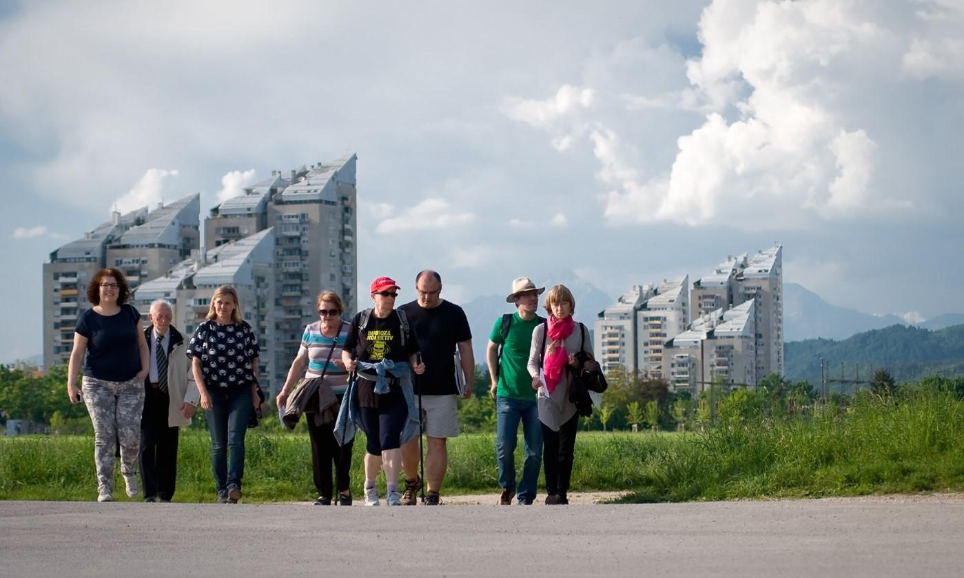 Urbani sprehodi Jane's Walk že sedmič spodbujajo povezovanje lokalnih skupnosti