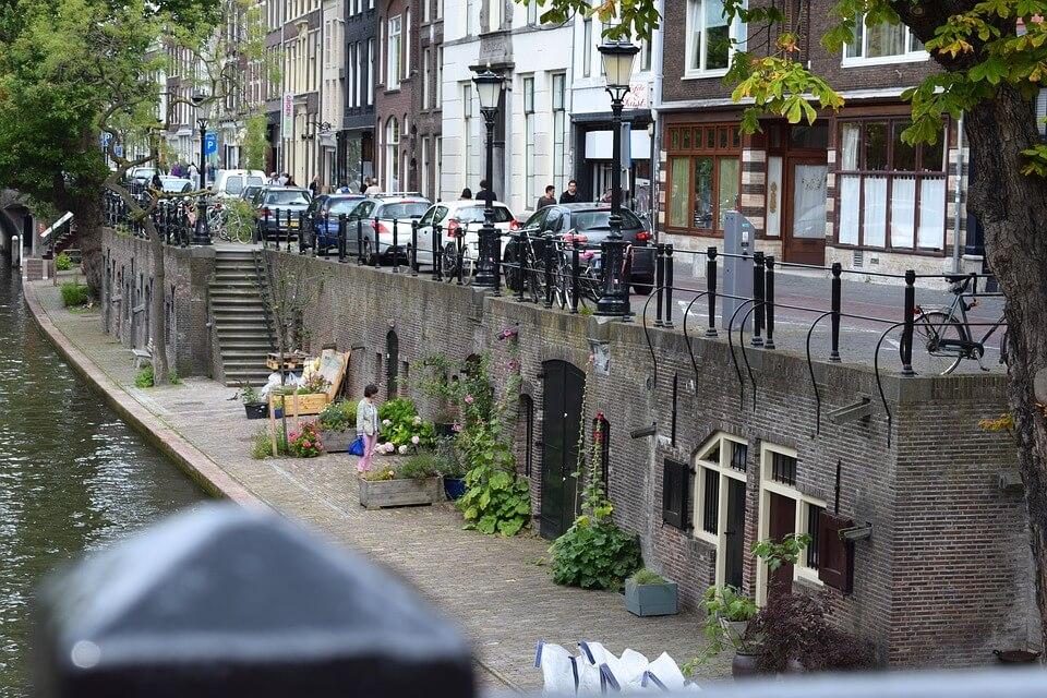 V Utrechtu prebivalci sami vzdržujejo park