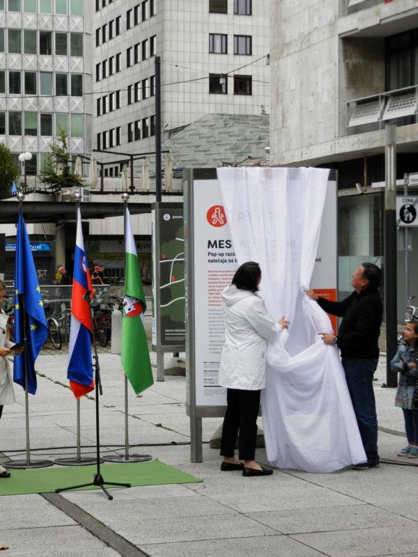 Slovesno odprtje razstave plakatov natečaja Mesta pešcem!