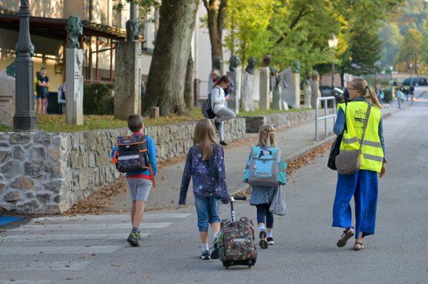 Aktivna pot v šolo za zdravje otrok v času epidemije COVID-19