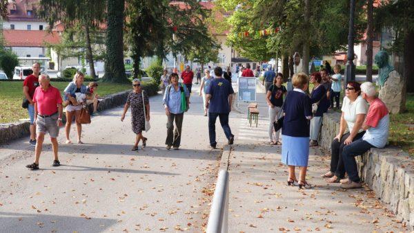 Vabilo za občine: Odprta ulica v vaši občini