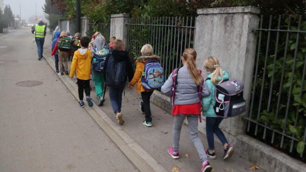 [Sporočilo za javnost] Pomagajmo otrokom aktivno v šolo